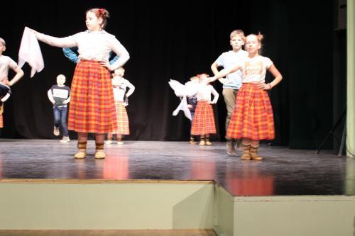Tautas deju sadancis Preiļos